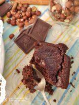 Imagen de brownie vegano con avellanas sin gluten sin azúcar
